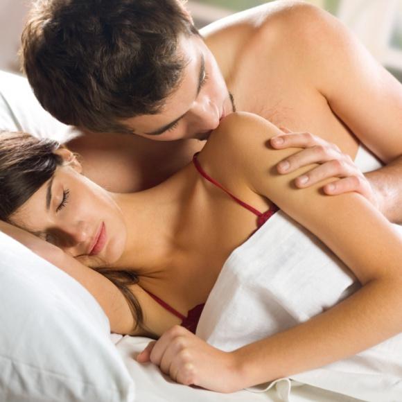 Męskie postanowienia – o co zadbać w nowym roku? LIFESTYLE, Seks - Rzucę palenie, schudnę, zacznę regularnie chodzić na siłownię – za pewne nie raz to sobie obiecywałeś. Może czas spróbować czegoś nowego? Oto 5 prostych postanowień, które nie tylko poprawią Twój stan zdrowia, ale również życie seksualne.