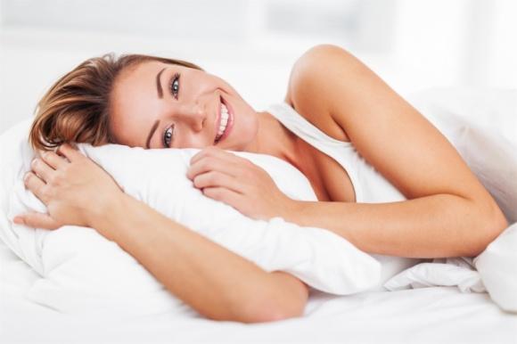 Jakość życia seksualnego – jak duże ma dla nas znaczenie? LIFESTYLE, Psychologia - Seks to jeden z najważniejszych filarów każdego związku. Dla niektórych par to fundamentalny element, bez którego nie wyobrażają sobie wspólnego życia, dla innych przyjemny dodatek umożliwiający okazywanie sobie czułości.