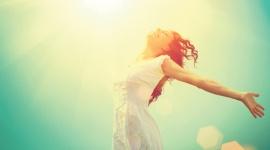Antykoncepcyjny niezbędnik wakacyjny LIFESTYLE, Seks - Wakacje w pełni! Słońce i wolny czas mają na nas znaczący wpływ – często stajemy się bardziej beztroskie i skłonne do szaleństwa. Nie ma w tym nic złego, jeśli zachowamy odrobinę rozsądku. Zwłaszcza, jeśli chodzi o kwestie antykoncepcji.
