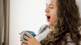 Jak radzić sobie z jesiennym spadkiem energii? LIFESTYLE, Psychologia - Jesienią i zimą często cierpimy na zanik sił i energii, co nie tylko utrudnia prawidłowe funkcjonowanie organizmu, ale wiąże się także ze spadkiem nastroju oraz złym samopoczuciem. Podpowiadamy skąd czerpać energię na cały dzień!