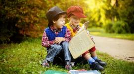 Nie tylko Mickiewicz! Młodzież potrzebuje współczesnych lektur LIFESTYLE, Książka - Rzadko się dziś zdarza, aby autor i wydawca, przygotowując książkę dla młodzieży, byli zainteresowani opracowaniem materiałów pomocniczych dla uczniów i nauczycieli.